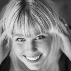 Portrait-Sandra-Schiffer